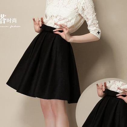 Charming Pleated Knee-Length A-Line..