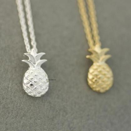 Cute Pineapple Pendant Necklaces In..