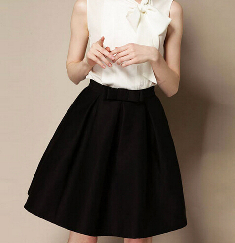 Charming Pleated Knee-Length A-Line Skirt