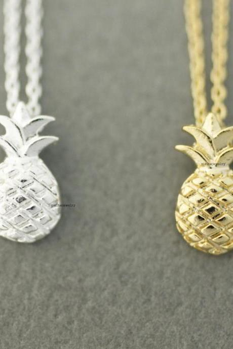 Cute Pineapple Pendant Necklaces In 2 Colors N0611G