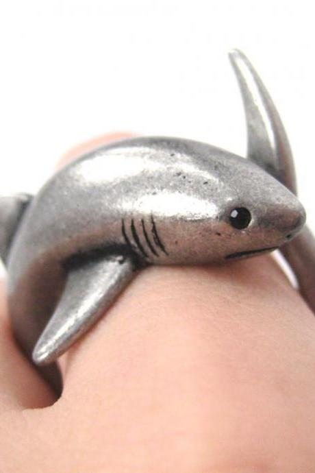 3D Realistic Shark Sea Animal Hug Wrap Ring In Silver - Sizes 5 To 10 Available
